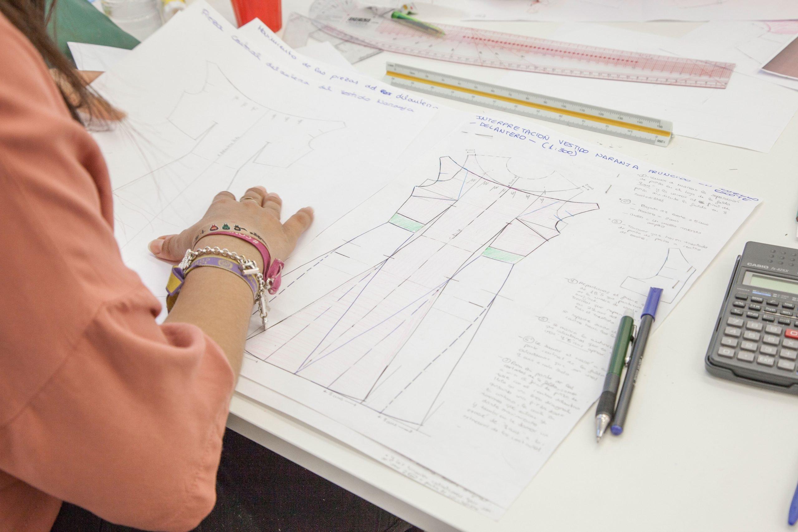 Te gusta la moda ¿y si aprendieras a crear tu propia ropa?